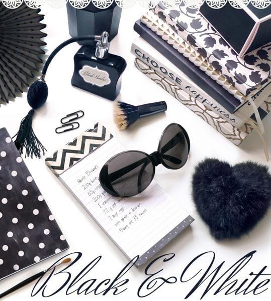 Parfumeflasche, Sonnenbrille, Notizbücher, Make-up Pinsel, Black & White