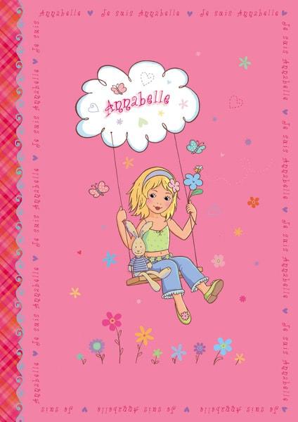 Annabelle - ein kleines Mädchen und ein Spielzeughase auf einer Schaukel