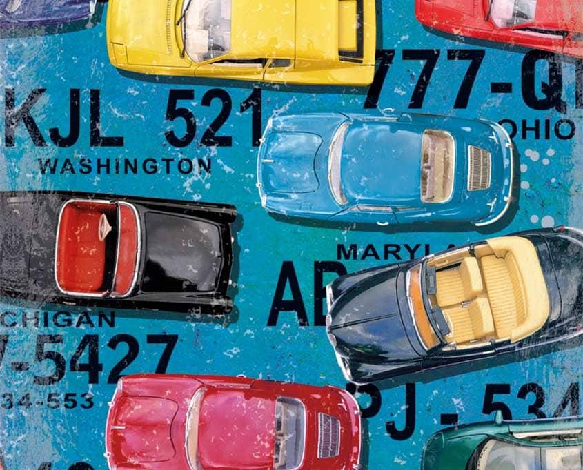 Vintage Autos und Autokennzeichen